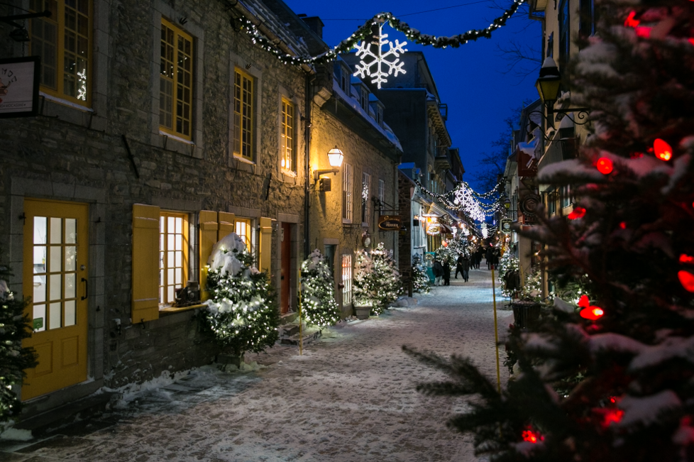 Quebec_Street_At_Night.png